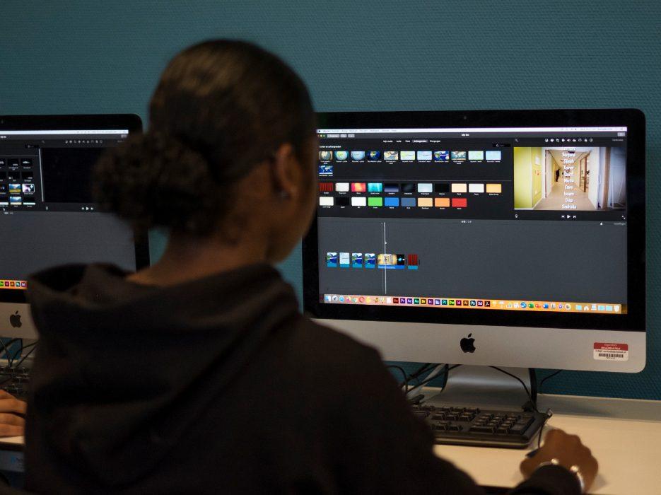 Film op scherm 2 935 x 700